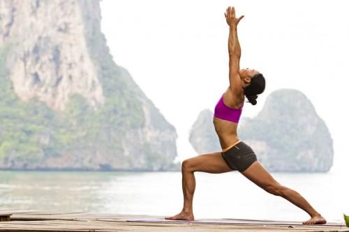 Bài tập yoga chiến binh giảm mỡ vùng đùi hiệu quả