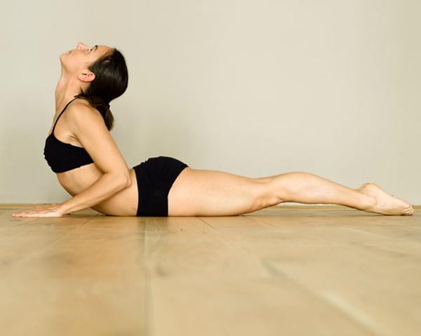 3 Bài tập yoga giảm cân giúp bạn loại bỏ vòng eo bánh mỳ