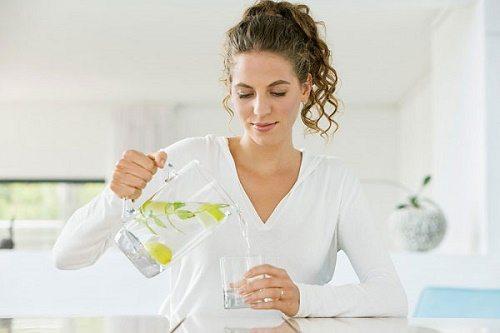 Cách giảm bụng nhanh tại nhà bằng nước chanh