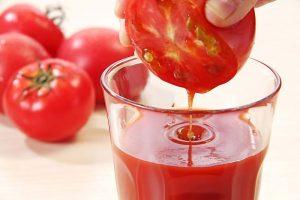 Da sáng dáng xinh với công thức detox giảm cân bằng cà chua
